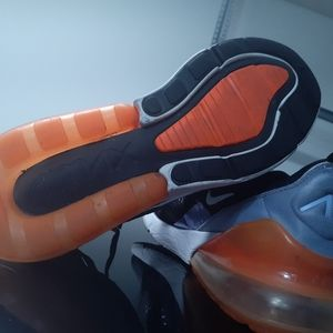 Nike Airmax  270 Wmn Sz 6